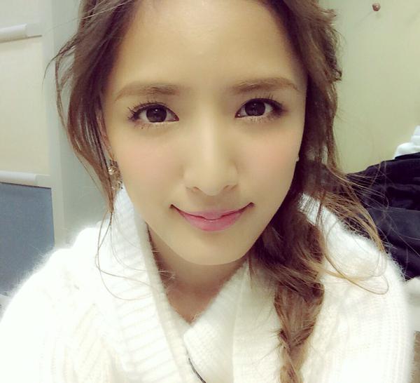 女優もこなすE-girlsのメンバー・藤井萩花さんの髪型に注目☆のサムネイル画像