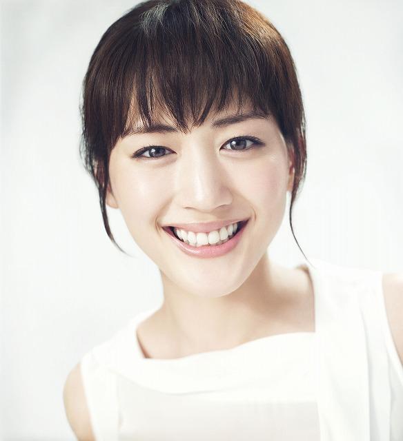 うっとり☆誰もが知る大人気女優・綾瀬はるかさんのドレス姿まとめのサムネイル画像