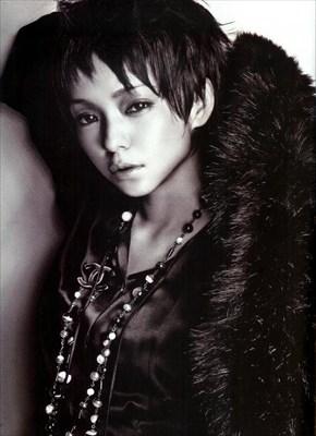 いつも女子の憧れ!安室奈美恵さんのレアなショートヘア画像特集!のサムネイル画像