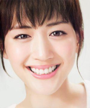 天然女優「綾瀬はるか」は芸名!?気になる本名は一体?!のサムネイル画像
