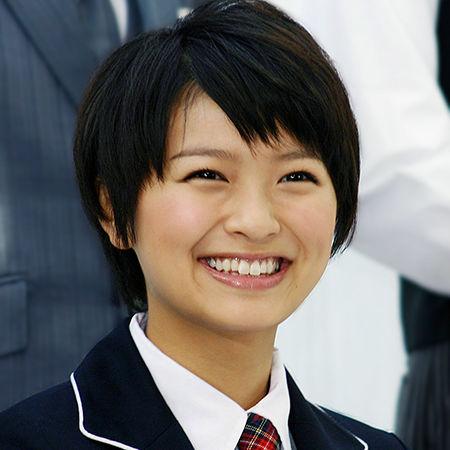 笑顔がほんわか可愛い榮倉奈々さん。身長が高いってホント…?のサムネイル画像