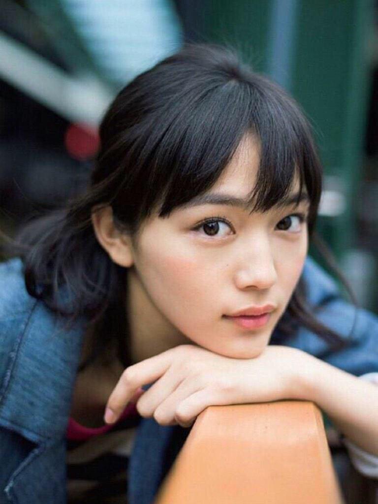 【川口春奈さん♡キス♡】女優の川口春奈さんのキス画像やキス動画のサムネイル画像