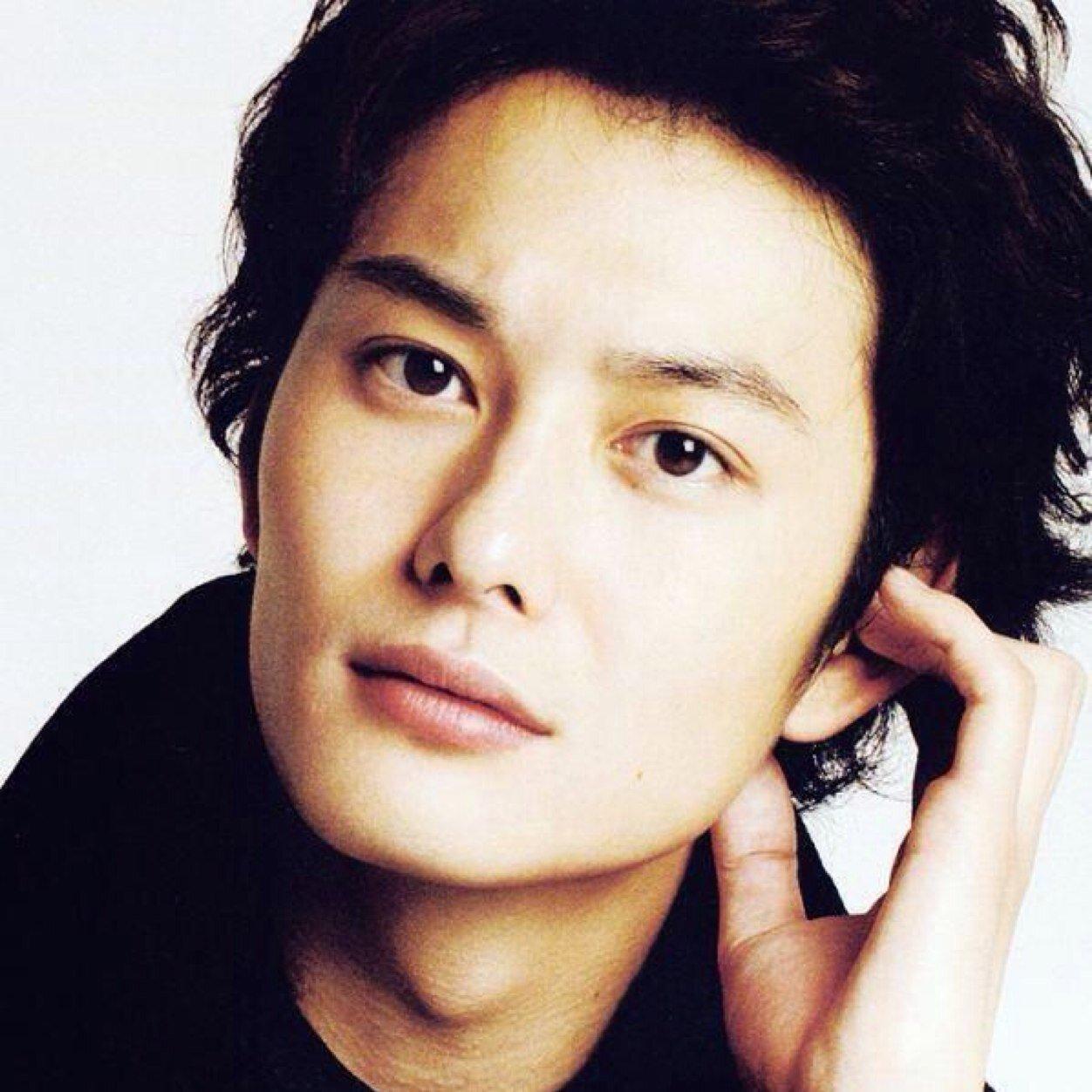 人気俳優・岡田将生は身長180cm!モデルのような体型が話題に!のサムネイル画像