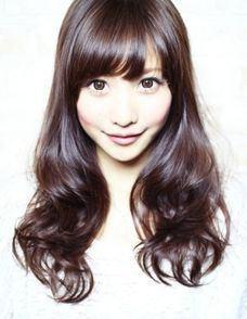 モデル・グラビアで活躍!かわいい佐野ひなこのメイクとグラビア写真のサムネイル画像