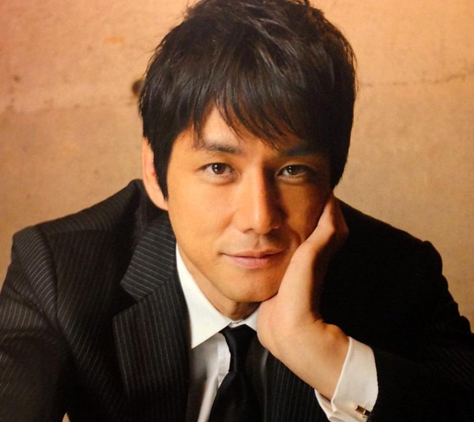 イケメン!演技派俳優の西島秀俊。気になる嫁はどんな人なの?のサムネイル画像