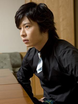 共演者との身長の比較画像あり!田中圭さんの身長って何センチ?のサムネイル画像