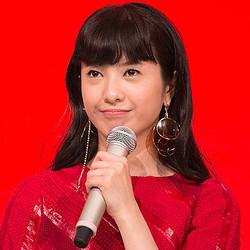 初の紅白司会!花子とアン主演の吉高由里子の髪型や衣装が気になる!のサムネイル画像