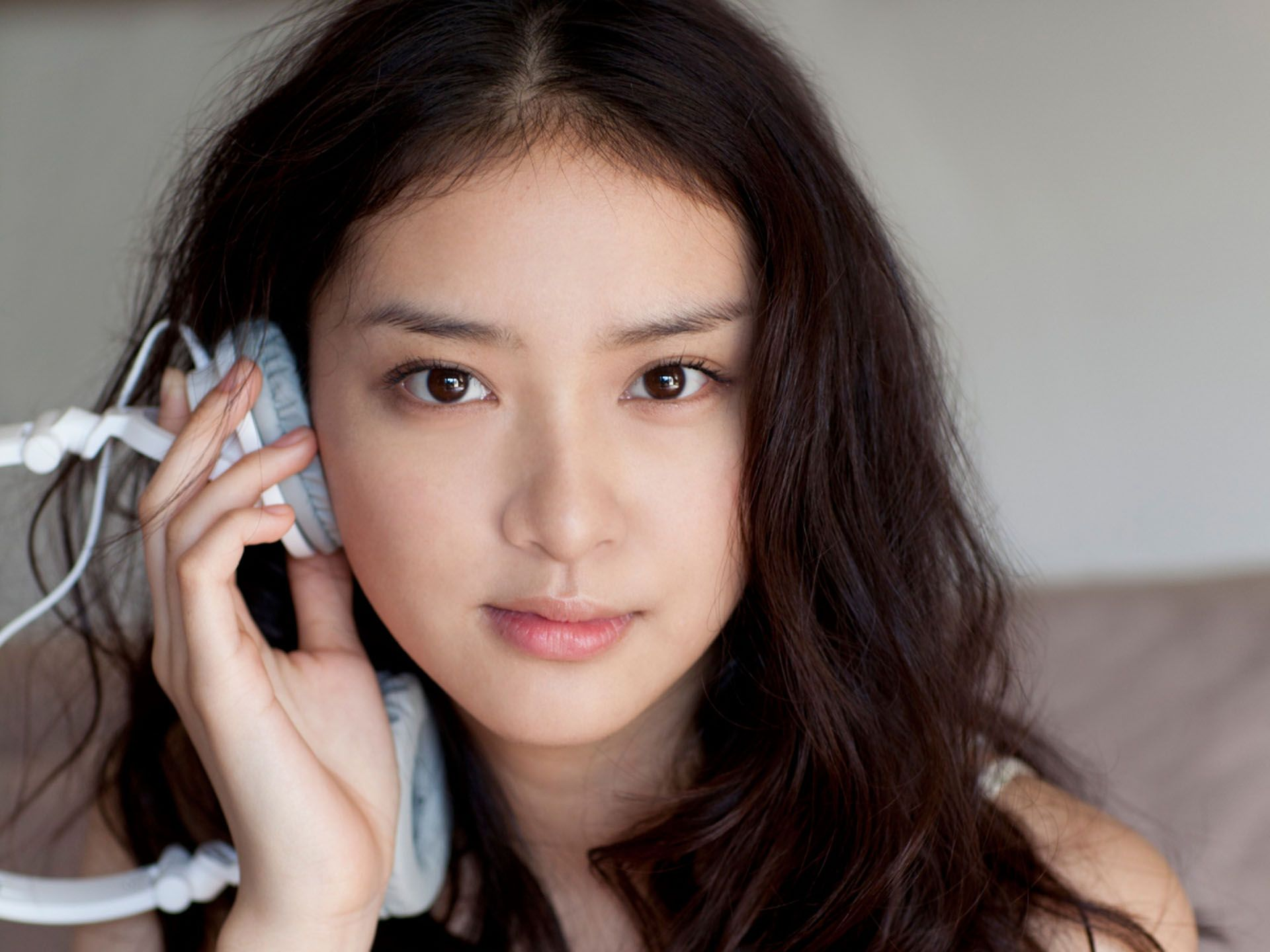 若手人気女優の武井咲さんの身長は何cm?身長を調べてみました!のサムネイル画像