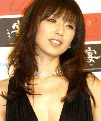 魔性の女高岡早紀さんは、一晩の恋でも全然平気だったみたいです!!のサムネイル画像