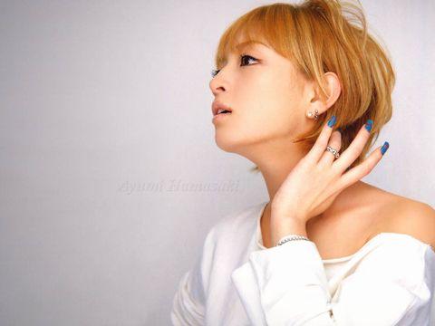 多くの女性に影響を与えた歌姫浜崎あゆみ今よりも昔が一番可愛い!?のサムネイル画像