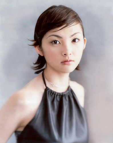 もうすぐ結婚?田中麗奈さんの過去の熱愛彼氏、そして現在は?のサムネイル画像