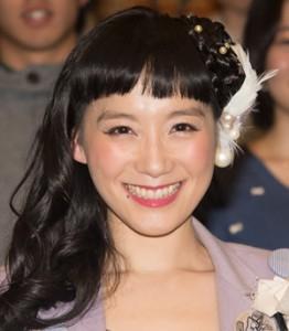 大人の女性へと変身したシノラー、篠原ともえさんの熱愛をチェック!のサムネイル画像