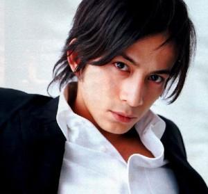 V6の岡田准一さん、大人しそうに見えますが、守られてるだけ、性悪ですのサムネイル画像