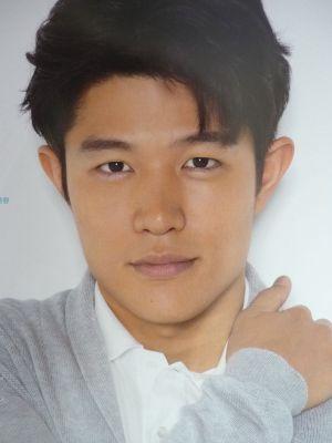 『TOKYO TRIBE』で話題! 肉体派俳優、鈴木亮平のおすすめ映画4選のサムネイル画像