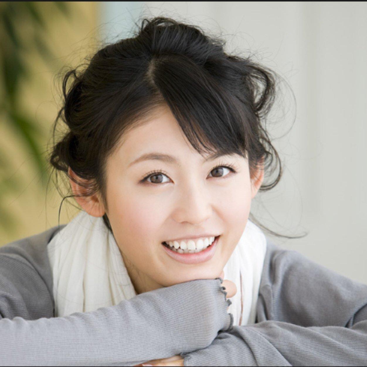 女優の本仮屋ユイカさんにとってもカワイイと噂の妹さんがいた!のサムネイル画像