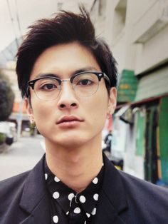 人気沸騰中の若手俳優、高良健吾くんの過去出演作をおさらいのサムネイル画像