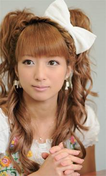 【画像あり】辻希美の姉、文子さんが想像の斜め上だと話題にwwwのサムネイル画像