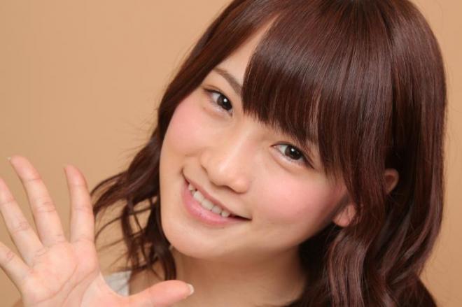 元AKB48の川栄李奈さんの気になる握手会での対応とは??のサムネイル画像