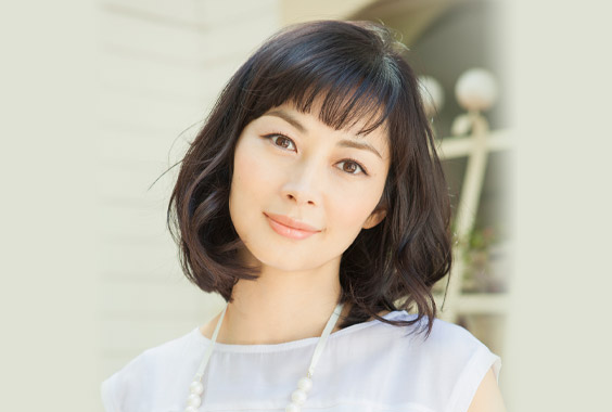 女優の伊東美咲さんの結婚、夫の榎本善紀さんってどんな人?のサムネイル画像