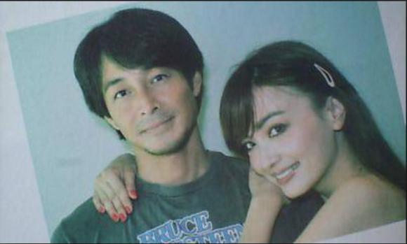 俳優の吉田栄作さんの結婚、その嫁とはモデルの平子理沙さん?のサムネイル画像