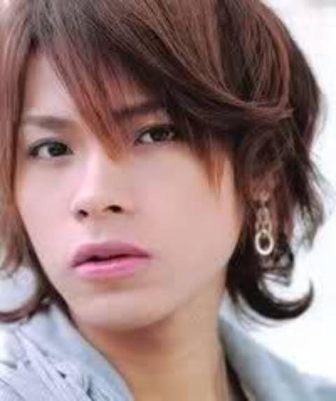 KAT-TUNの上田竜也さん。案外過去の恋愛は少なかった!?のサムネイル画像