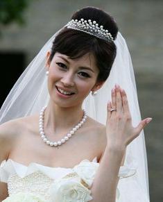 【気になる!】女優・伊東美咲さんの旦那さんとはどんな人?のサムネイル画像