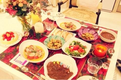 意外な素顔?料理上手でいつも美味しい食卓を飾る芸能人は誰?のサムネイル画像