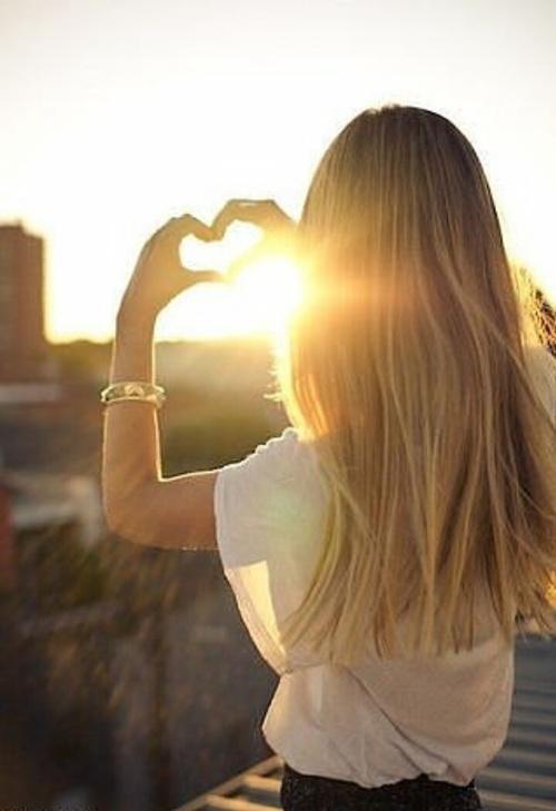 女性に元気を与えてくれる人生をゆっくりと『今を生きる』ための名言のサムネイル画像