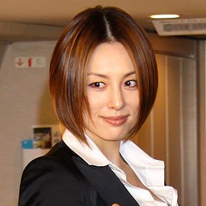 美人女優・米倉涼子さんは見た目キツそうだけど性格はどうなの?のサムネイル画像