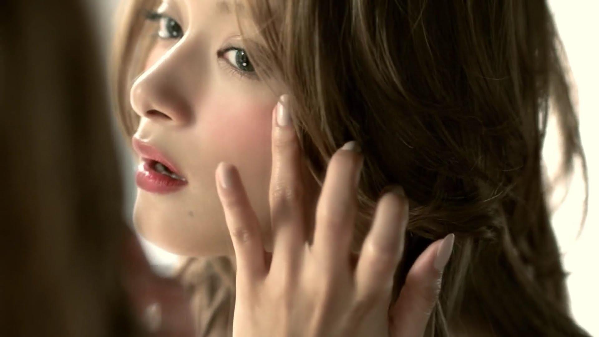 【ローラ】化粧品「ヴィセ」のチーク&リップがまるで魔法のよう♡のサムネイル画像