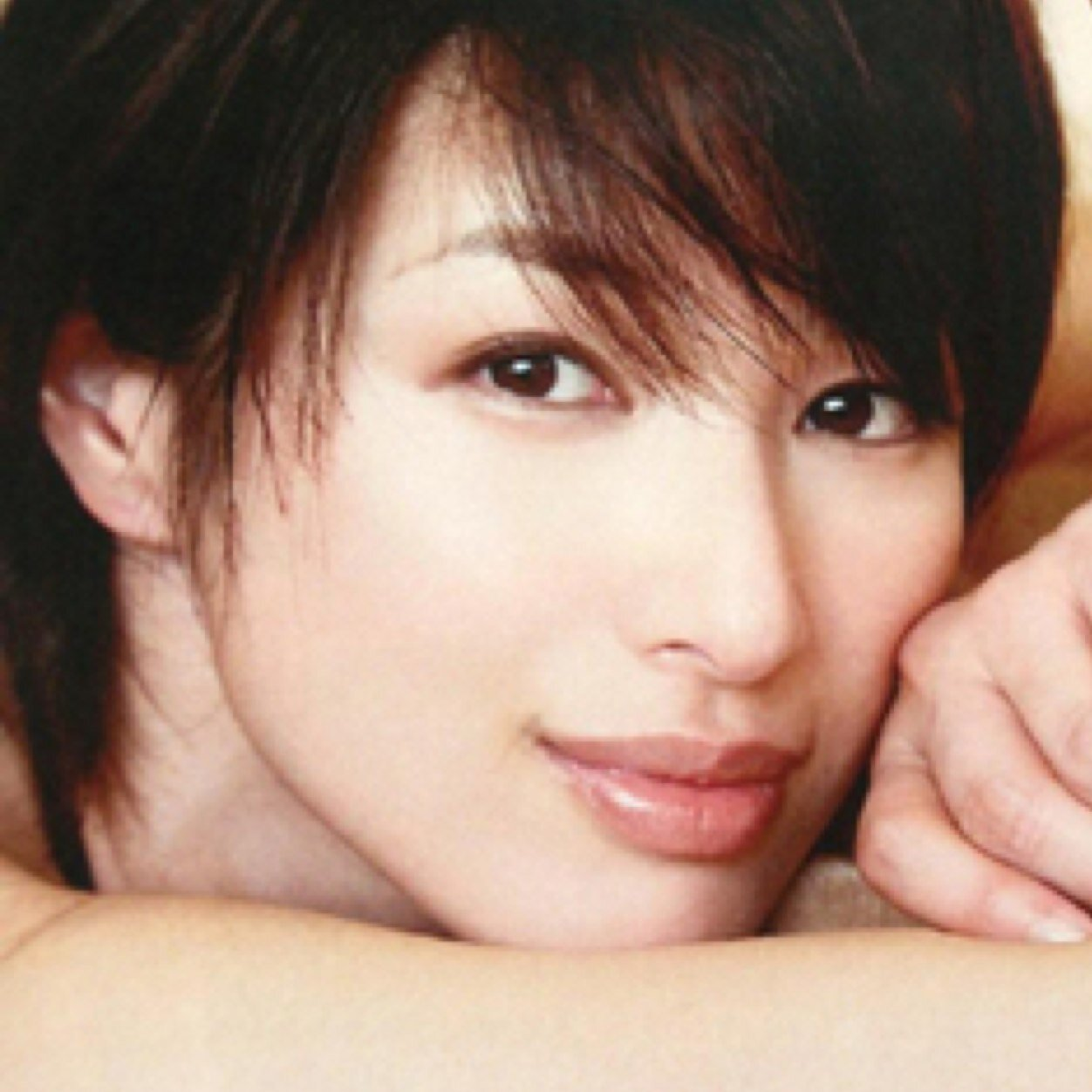 妖艶な女優吉瀬美智子の濃厚キスシーンをご堪能下さいませ!!!!のサムネイル画像
