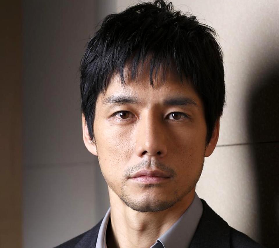 キスして欲しい男性No1の西島秀俊さんのキスシーンは大人の魅力満載!のサムネイル画像
