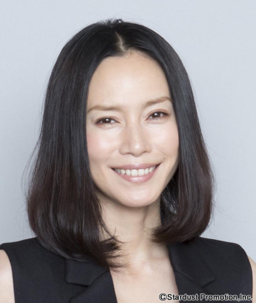 凛とした日本美人、中谷美紀の髪型画像【ロング~ショート】のサムネイル画像