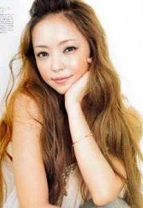 歌姫【安室奈美恵】ノンストップライブで必須の愛用ブーツは!?のサムネイル画像