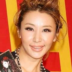 個性的な鈴木紗理奈さんの髪型集。ショート~ロング。アレンジまで!のサムネイル画像