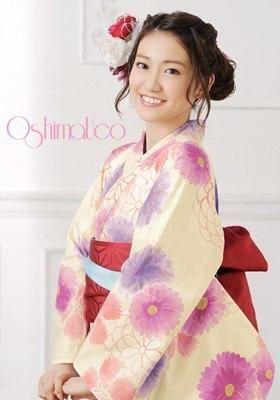 素敵な笑顔が魅力的な大島優子さん。本当の性格は男っぽい?の画像