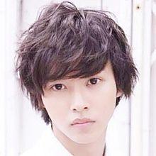 人気絶頂中の若手俳優山崎賢人さん。意外と身長高かった!?の画像