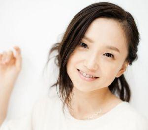 「さよなら私」に出演の永作博美 こだわりのメイク方法を紹介!の画像