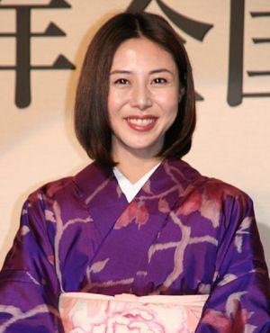 こんなに似合う髪型を探したい!松嶋菜々子の美しい秘密探ります!の画像