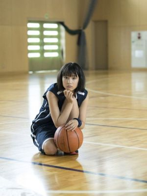 バスケットボールと広瀬すずの画像