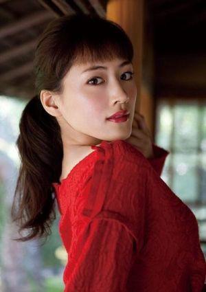 綾瀬はるかの顔の特徴は?整形している?とにかく肌が綺麗!!の画像