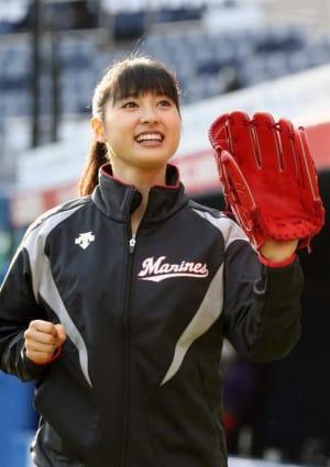 土屋太鳳さんのプロ野球の始球式がスゴい!涙と笑いの2年連続出場!の画像