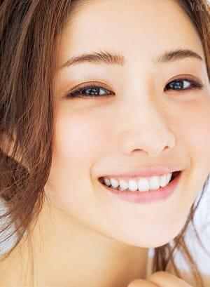歯並びがとてもきれいな石原さとみさん、歯列矯正をしているの?の画像